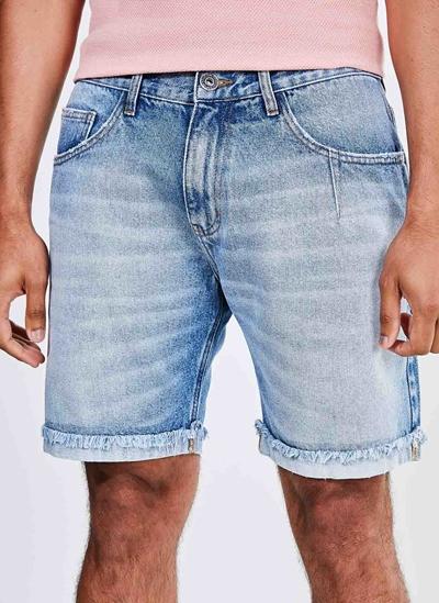 Bermuda Jeans Com Barra Dobrada E Desfiada